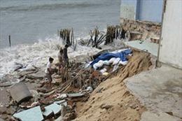 18 căn nhà bị sập do biển xâm thực tại Bình Thuận