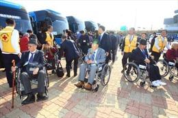 Nhóm người Hàn Quốc thứ hai đoàn tụ với người thân bị ly tán