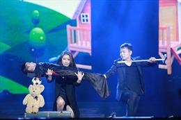 Cặp vợ chồng nghệ sĩ ảo thuật Hàn Quốc đến với các em nhỏ thiệt thòi