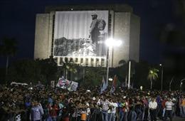 Hàng trăm nghìn người tuần hành tại Cuba tưởng nhớ lãnh tụ Fidel Castro