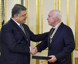 """Thượng nghị sĩ McCain: Mỹ """"nên chống lại ông Putin"""""""