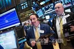 Kinh tế Mỹ tăng trưởng chậm thuận lợi cho quan điểm của ông Trump