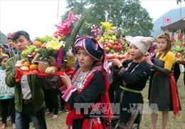 Lễ hội Động Tiên – Chợ quê Hàm Yên quảng bá sản vật địa phương