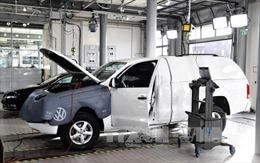 Các hãng sản xuất ô tô chạy đua cắt giảm khí thải trước các quy định mới