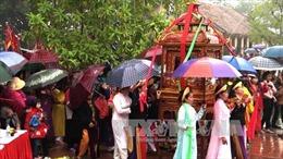 Ứng xử với lễ hội truyền thống trong xã hội hiện đại