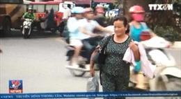 Khó xử phạt người đi bộ vi phạm luật giao thông