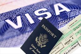 Mỹ siết chặt cấp thị thực cho công dân Nga