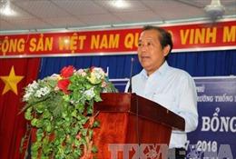 Phó Thủ tướng Trương Hòa Bình tặng quà học sinh nghèo hiếu học tại Vĩnh Phúc