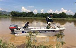 Tìm thấy thi thể đầu tiên trong vụ 3 người mất tích khi đi xe bò qua sông Cái