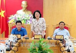 Phó Chủ tịch nước trao hỗ trợ Hà Tĩnh khắc phục hậu quả bão số 10