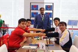 AIMAG 5: Quang Liêm, Trường Sơn đánh bại đại kiện tướng Trung Quốc, giành HCV cờ nhanh