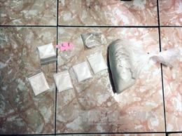 Sóc Trăng: Bắt đối tượng tàng trữ, sử dụng trái phép ma túy