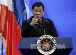 Tổng thống Duterte doạ kiện người tố ông 'giấu' hàng tỷ peso