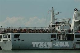 Indonesia trao trả 239 ngư dân Việt Nam qua đường biển