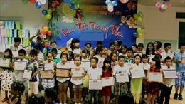 Tháng Trung Thu ở Séc: Trao giấy khen cho 800 học sinh, sinh viên