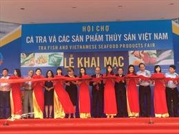 Khai mạc Hội chợ cá tra lần đầu tiên tại Hà Nội