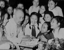 Chủ tịch Hồ Chí Minh - tấm gương học tập suốt đời
