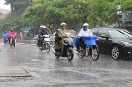 Thời tiết ngày 10/10: Mưa dông bao phủ cả nước, đề phòng tố lốc, gió giật mạnh