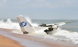 Máy bay rơi xuống biển vỡ thành nhiều mảnh, ít nhất 4 người tử nạn