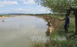 Ninh Thuận: Bờ sông Dinh sạt lở nghiêm trọng