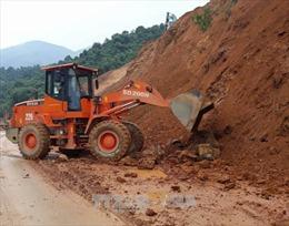 Nỗ lực khắc phục sạt lở trên Quốc lộ 279 đoạn qua Tuần Giáo, Điện Biên