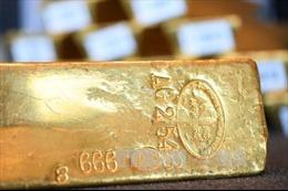 Giá dầu đi xuống, giá vàng thế giới tăng nhẹ