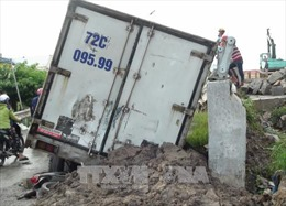 Bạc Liêu: Xe tải tuột dốc cầu làm 4 người thương vong
