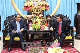 Phó Thủ tướng Lào Sonexay Siphandone thăm và làm việc tại Bến Tre