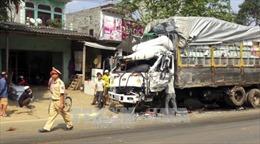 Hòa Bình: Tai nạn giao thông liên hoàn, 4 người nhập viện