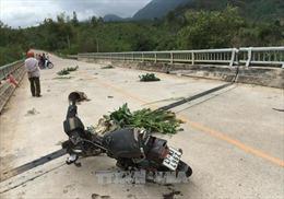 Va chạm với xe tải: Vợ tử vong, chồng bị thương nặng