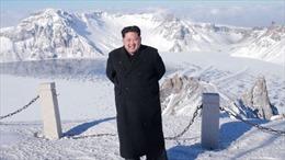 Ông Kim Jong-un leo núi thiêng mừng vụ phóng ICBM
