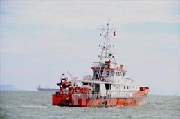 Cứu 10 ngư dân gặp nạn trên vùng biển Bà Rịa-Vũng Tàu