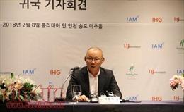 Huấn luyện viên Park Hang-seo: Hạnh phúc đi liền trách nhiệm với bóng đá Việt Nam