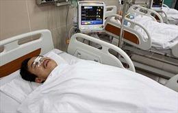Trăn trở nạn bạo hành nhân viên y tế: Không để các y bác sĩ đơn độc