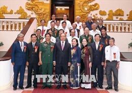 Thủ tướng tiếp Đoàn Đại biểu cựu thiếu niên Dũng sĩ diệt Mỹ