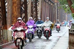 Thời tiết 23/5: Bắc Bộ vẫn nắng nóng, Nam Bộ tiếp tục mưa dông