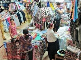 Chợ truyền thống TP Hồ Chí Minh đổi cách bán hàng để hút khách