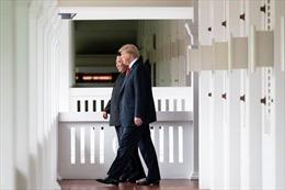 Chuyên gia phân tích ngôn ngữ cơ thể của hai nhà lãnh đạo Mỹ-Triều khi gặp nhau