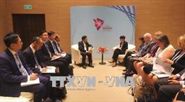 Phó Thủ tướng Phạm Bình Minh tiếp xúc song phương bên lề Hội nghị AMM 51