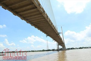 Cầu Cao Lãnh bắc qua sông Tiền trước ngày cán đích