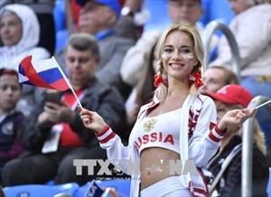 Những bóng hồng xinh đẹp 'thiêu cháy' World Cup 2018