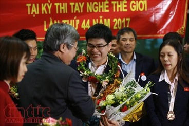 Đoàn thí sinh dự thi tay nghề thế giới đã về đến Việt Nam