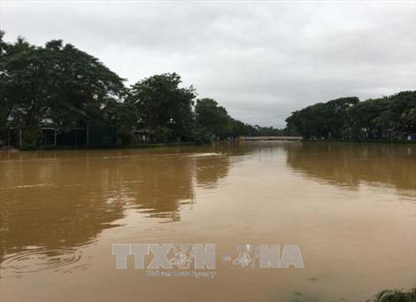 Nước sông Hương vượt mức báo động 2, vùng thấp trũng nguy cơ ngập lụt diện rộng