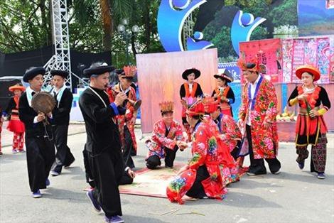 Bảo tồn văn hóa Dao khi hội nhập