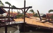 Siêu bão Irma kèm gió 300 km/h phá tan nát đảo Barbuda