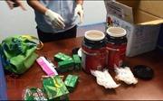 Phát hiện ma túy đá ngụy trang trong lô hàng quà biếu gửi về Việt Nam