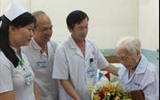 Cứu sống Mẹ Việt Nam anh hùng 104 tuổi bị sốc nhiễm trùng đường mật
