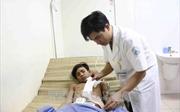 Cứu sống bệnh nhân bị đứt trực tràng do dao đâm
