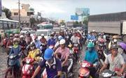 Sau mưa lớn, cửa ngõ phía Tây TP Hồ Chí Minh 'thất thủ' vì ngập nước
