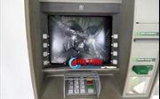 'Phê' ma túy đá, đập phá 2 cây ATM